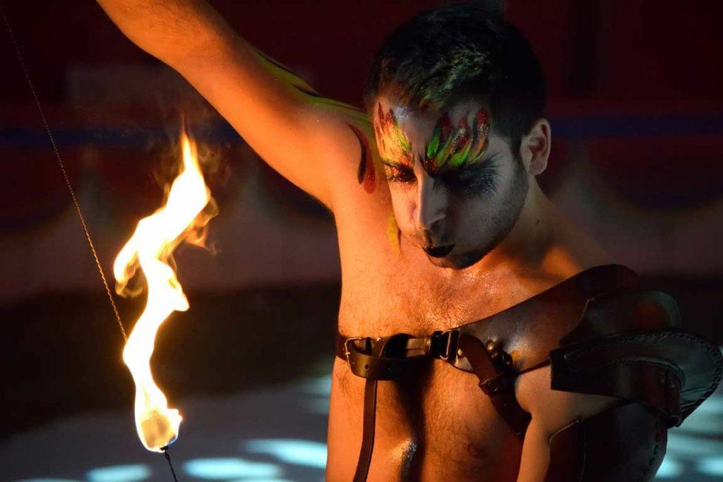jeremy-canto-magicien-cracheur-feu-lumineux-magie (19)