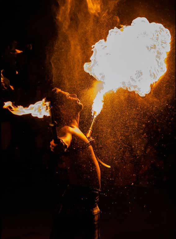 jeremy-canto-magicien-cracheur-feu-lumineux-magie (2)